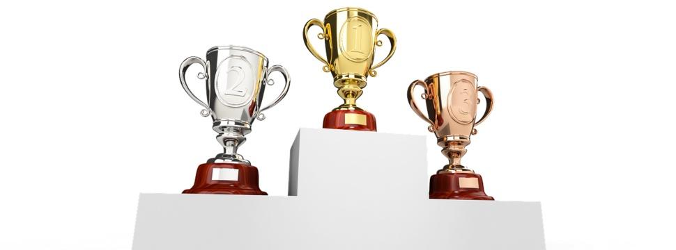 Gold, Silber und Bronze Pokale.